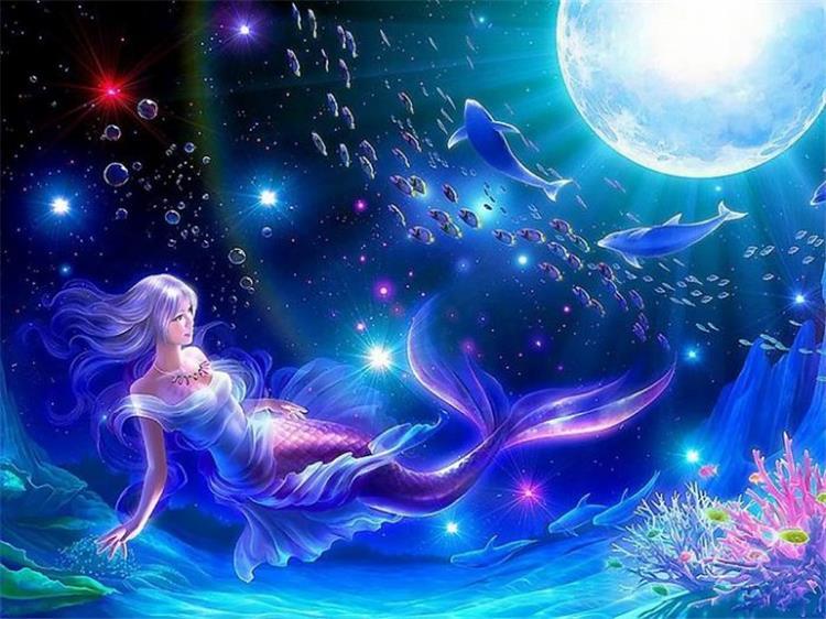 مميزات امرأة برج الحوت