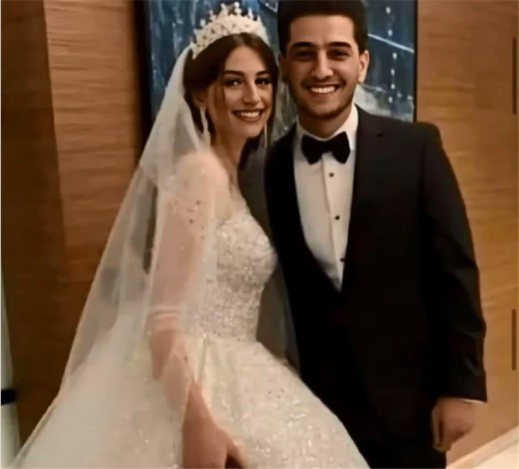 التعليق الأول لمحمد عساف على زواجه بعد تداول صور الزفاف