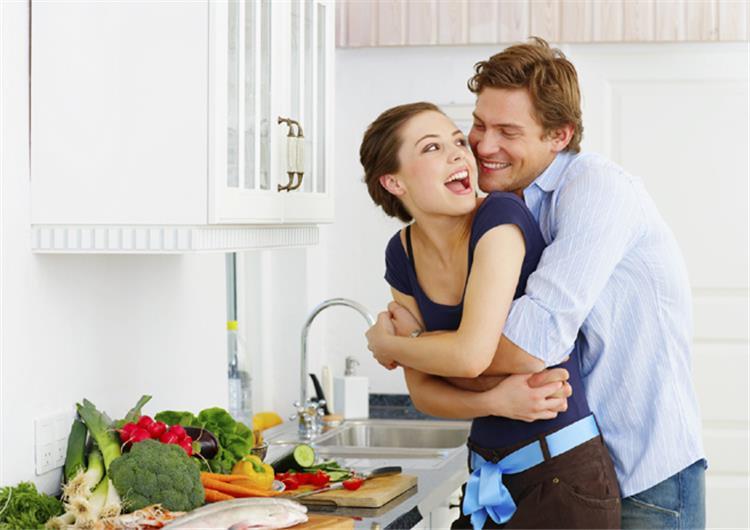 كيف تتجنبين زيادة الوزن بعد الزواج