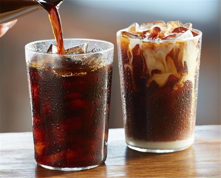 6 افكار جديدة ومختلفة لتحضير القهوة الباردة