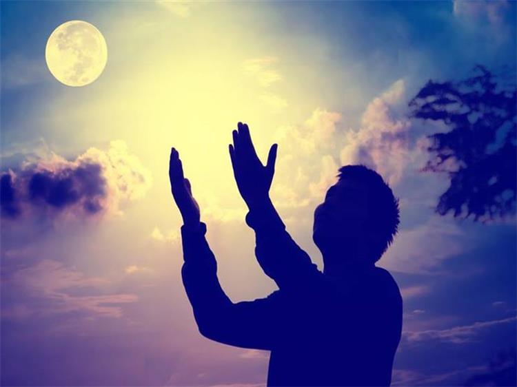 دعاء اليوم الثامن والعشرين من رمضان اللهم قربني إليك