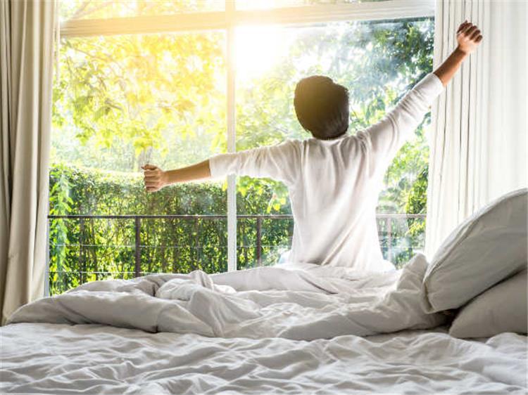 لماذا يجب تجنب تناول القهوة وممارسة الرياضة عند الاستيقاظ
