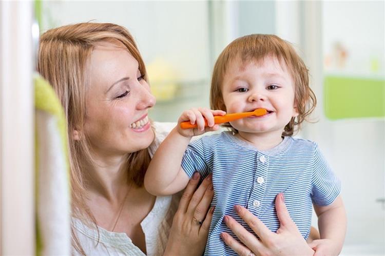 كيف تحافظين على أسنان طفلك من التسوس