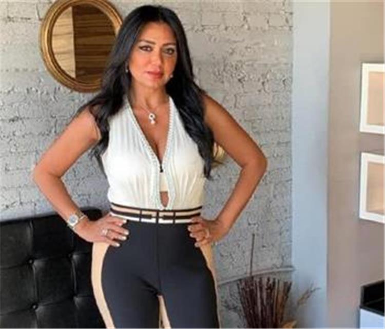 رانيا يوسف تنشر عريضة على حسابها بموقع انستجرام تندد فيها بهؤلاء الأشخاص ما الحكاية