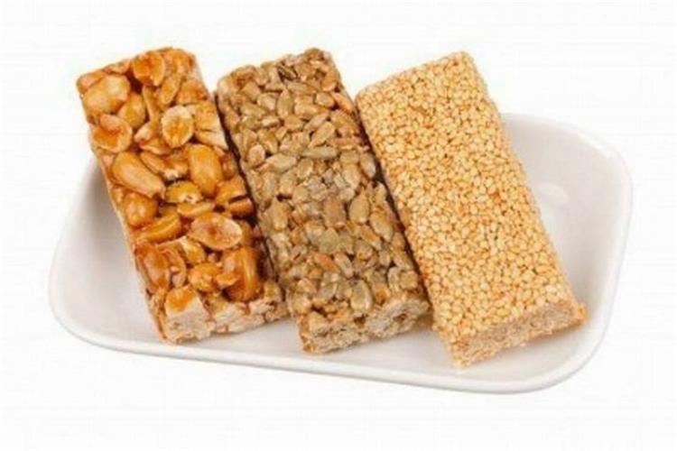 حلويات المولد من الشيف قدرى.. طريقة عمل السمسمية والحمصية والفولية