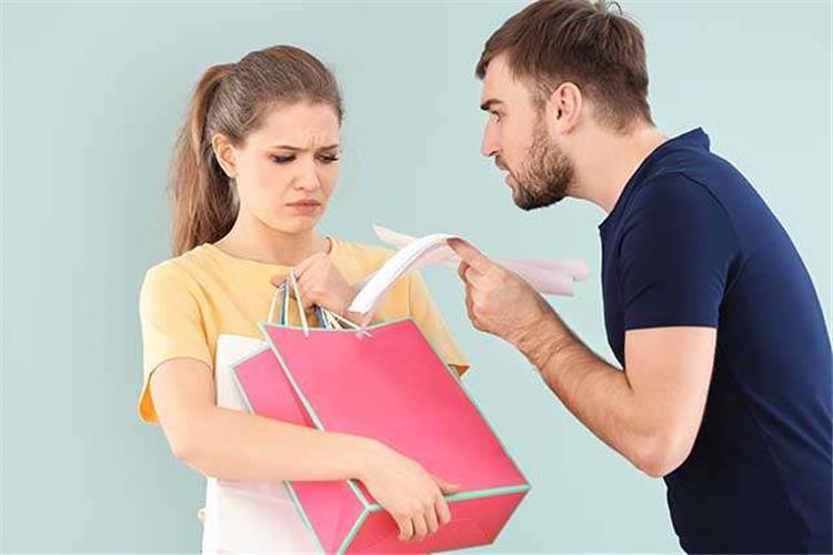 كيف تتعاملين مع زوجك البخيل