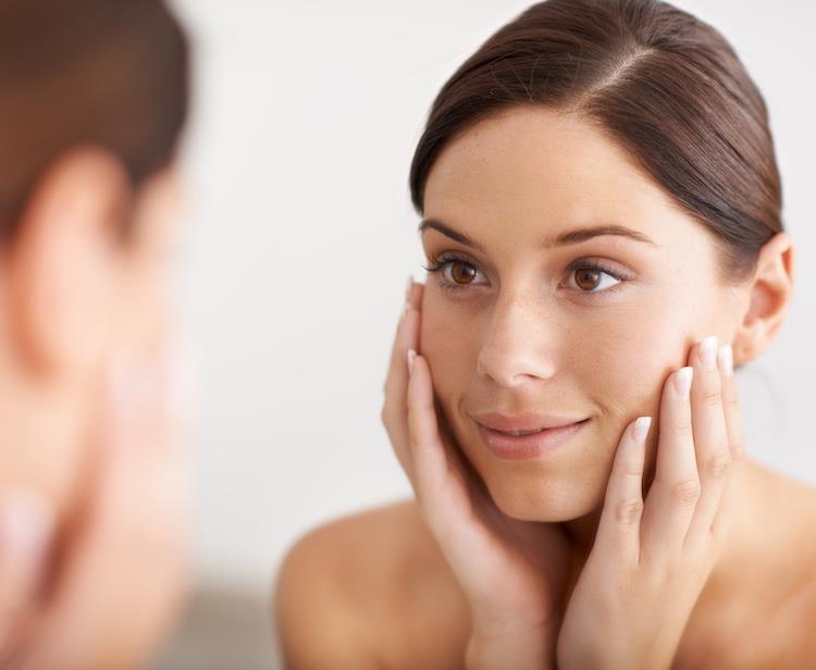10 فوائد مذهلة للجلسرين للبشرة الدهنية وكيفية استخدامه