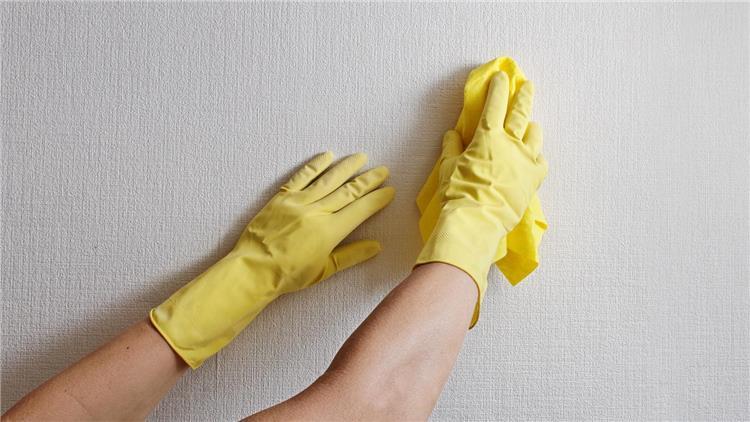 كيفية إزالة اللاصق الدبل فيس من على الحوائط