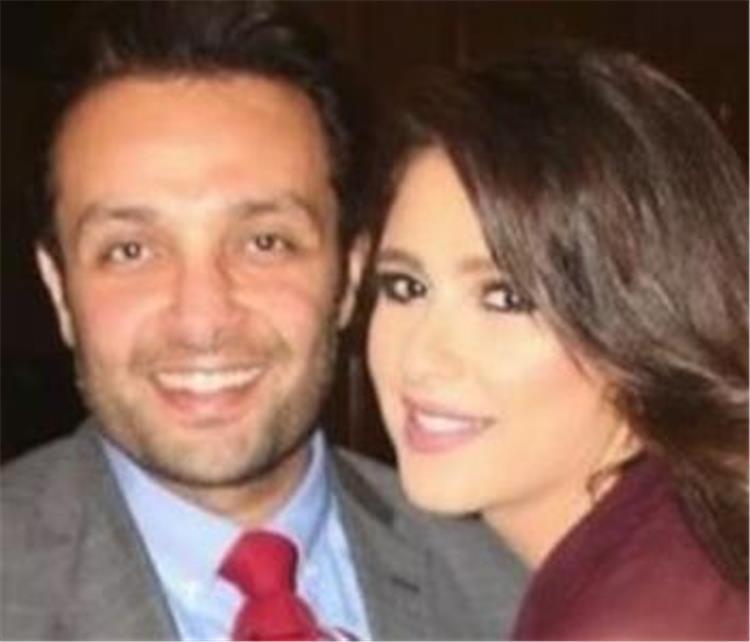 شقيق ياسمين عبد العزيز يثير الجدل من جديد علاقة ملزقة