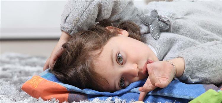 8 نصائح لمساعدة طفلك على التوقف عن مص أصابعه