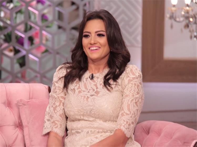 السر وراء حزن بشرى عند غناء عمرو دياب في حفل زفافها تكشف الحقيقة
