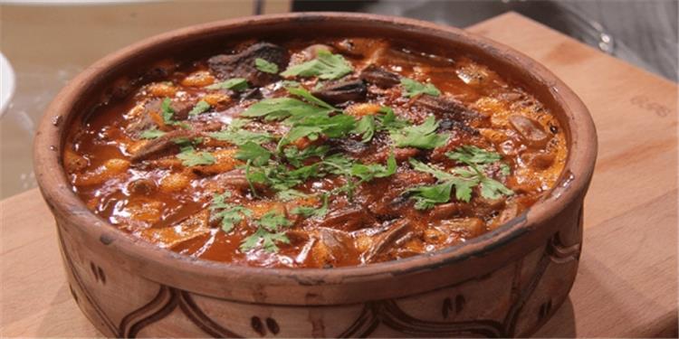 منيو غداء اليوم طريقة عمل طاجن البامية باللحمة الشهي