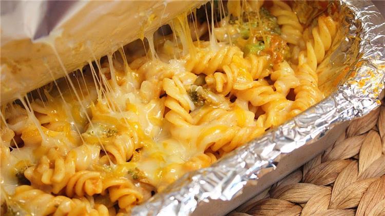 منيو غداء اليوم طريقة عمل الباستا بالجبن والبطاطس الفريسكاس