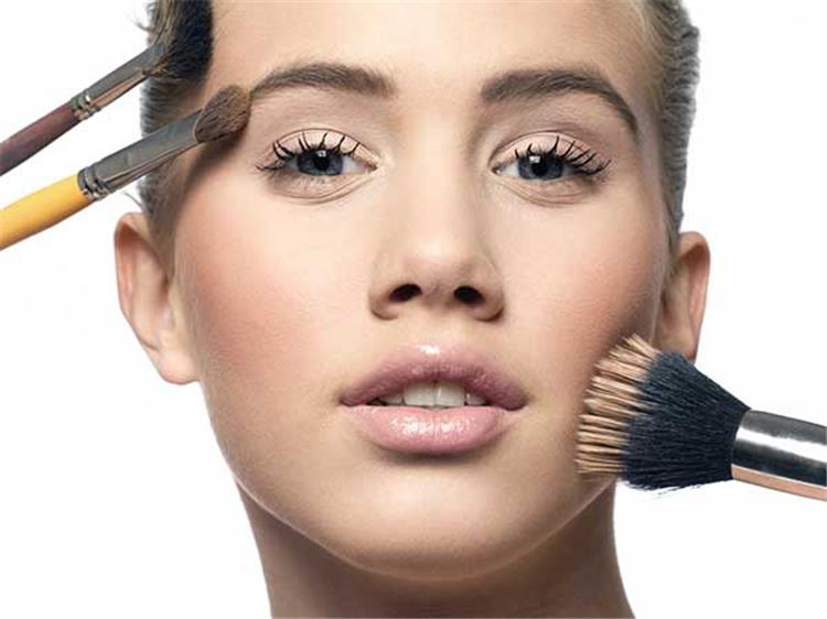 طرق فعالة لإصلاح كريم الأساس الداكن ليتناسب مع بشرتك