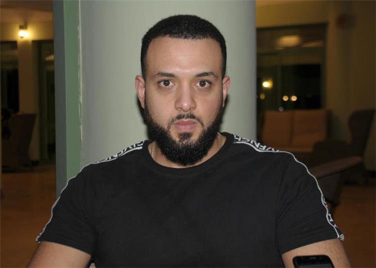 شقيق هيثم أحمد زكي يرد على اتهامات نقيب الممثلين بتهربه من المشاركة في صدقة جارية لأخيه