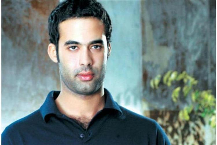 وفاة هيثم أحمد زكي وحيد ا في منزله وخطيبته تكتشف الأمر التفاصيل الكاملة