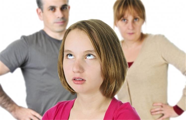 السر وراء خلافك الدائم مع ابنك المراهق