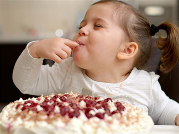تأثير السكريات على تصرفات الأطفال