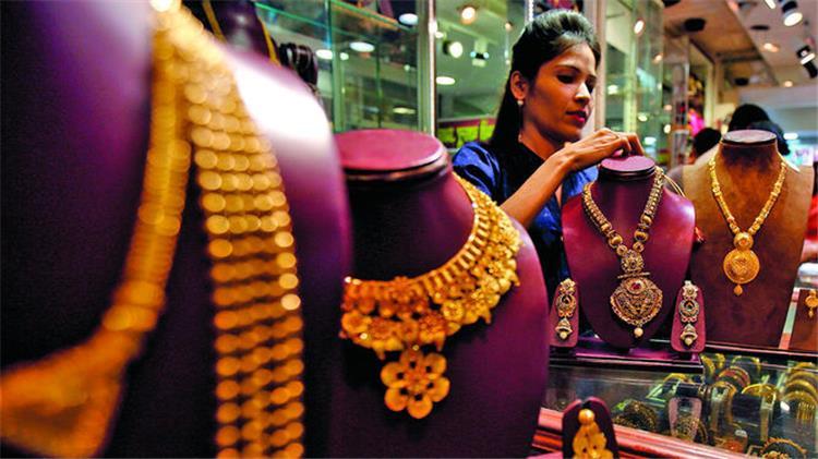 اسعار الذهب اليوم الخميس 19 9 2019 بمصر انخفاض اسعار الذهب في مصر حيث سجل عيار 21 متوسط 681 جنيه