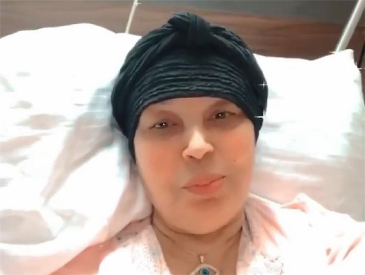 فيفي عبده تكشف لأول مرة حقيقة اصابتها بفيروس كورونا ماذا قالت