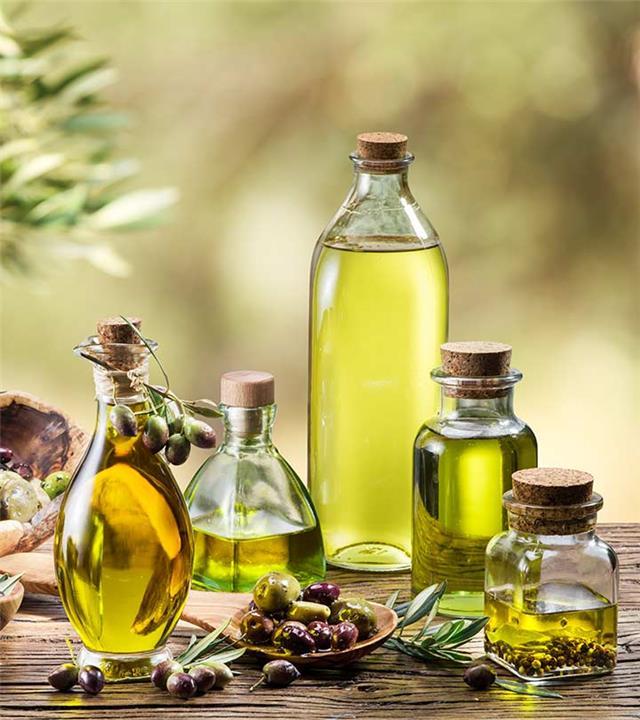 استعمالات وفوائد زيت الزيتون