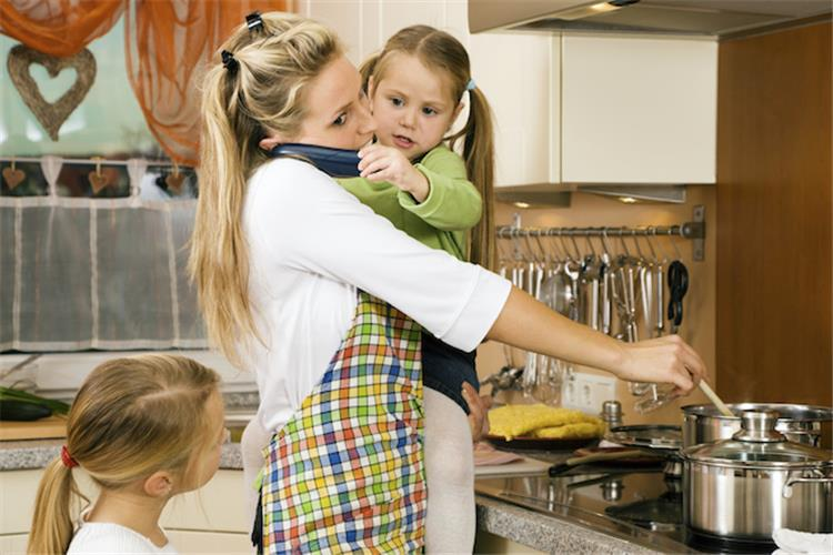 7 علامات لحاجة الأم للراحة امنحي الوقت لنفسك