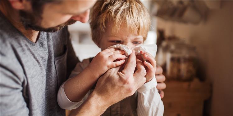 طريقة التحدث مع الأطفال عن فيروس كورونا دون إثارة الفزع في نفوسهم