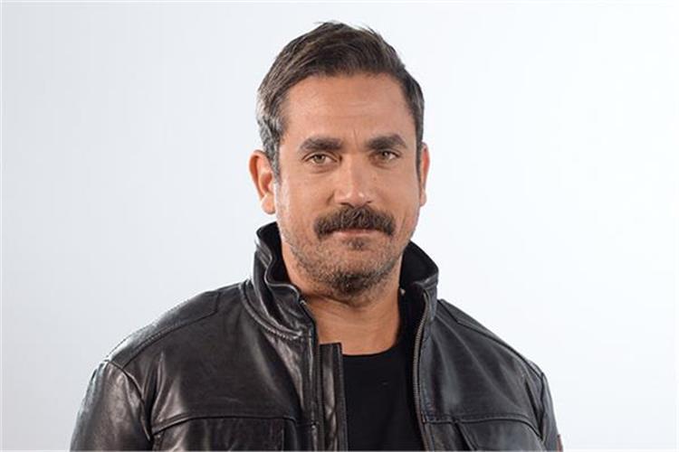 أمير كرارة يعود إلى تقديم البرامج التلفزيونية بـ السهرانين