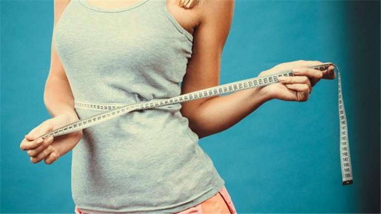فوائد زيت جوز الهند للتخسيس يقلل الشهية ويحرق الدهون