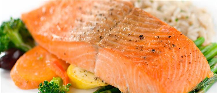 فوائد سمك السلمون لن تتخيلي ماذا يفعل بجسمك