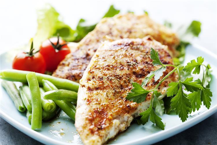 7 أطعمة خادعة اكتشفي سعراتها الحرارية