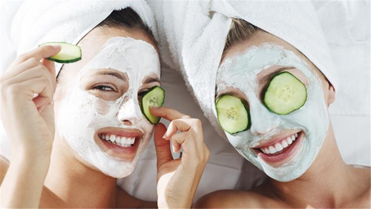 وصفات طبيعية لتقشير الوجه