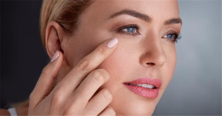 ماسكات لشد الوجه وإزالة التجاعيد حول العين بمكونات طبيعية