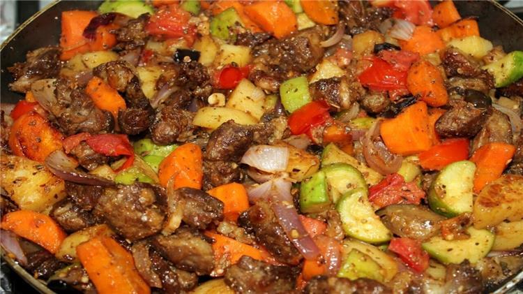طريقة عمل طاجن اللحم بالخضروات