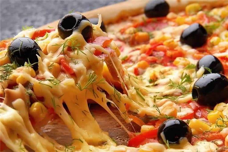طريقة عمل البيتزا السواريه