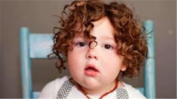 فيتامينات لتطويل شعر الاطفال