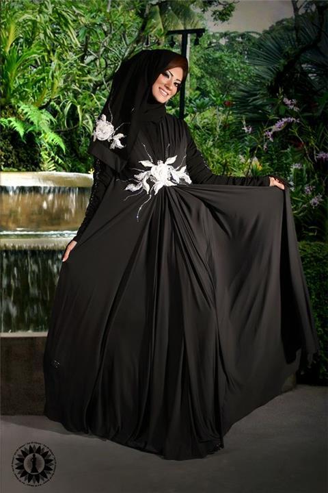 عبايات أجمل من الفساتين السواريه