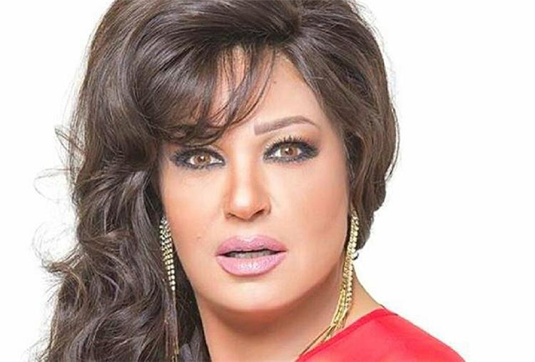 الظهور الأول للفنانة فيفي عبده بعد تعافيها من المرض