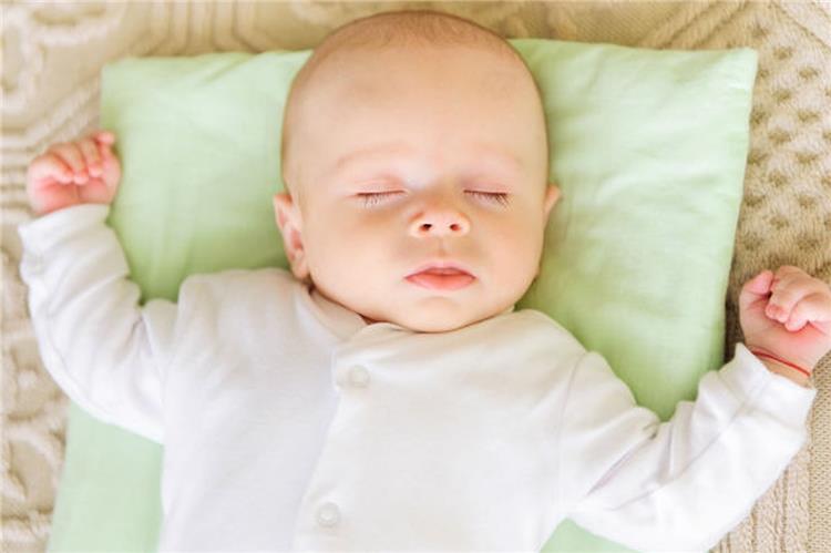 نصائح لمساعدة طفلك الرضيع على النوم