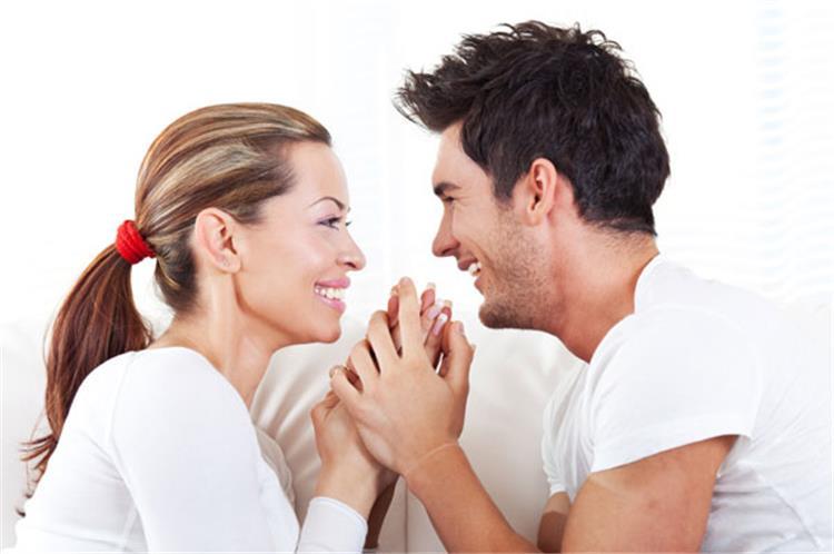 8 نصائح لتكسبي قلب زوجك إلى الأبد