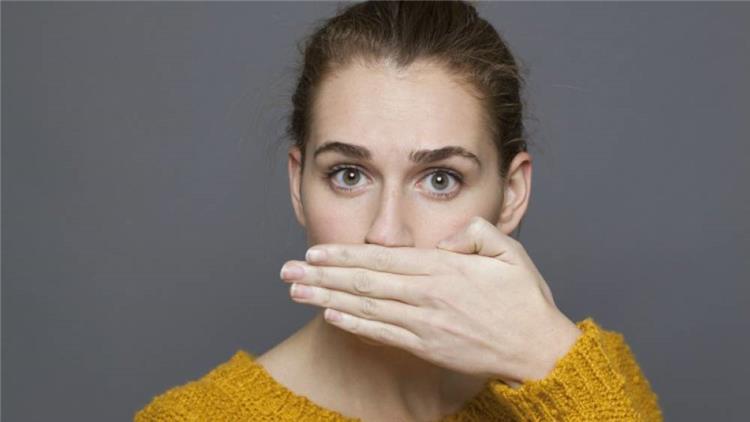أطعمة تخلصك من رائحة الفم الكريهة تعرفي عليها