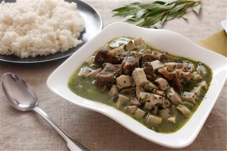 منيو غداء اليوم طريقة عمل قلقاس بالسلق مع الأرز الأبيض
