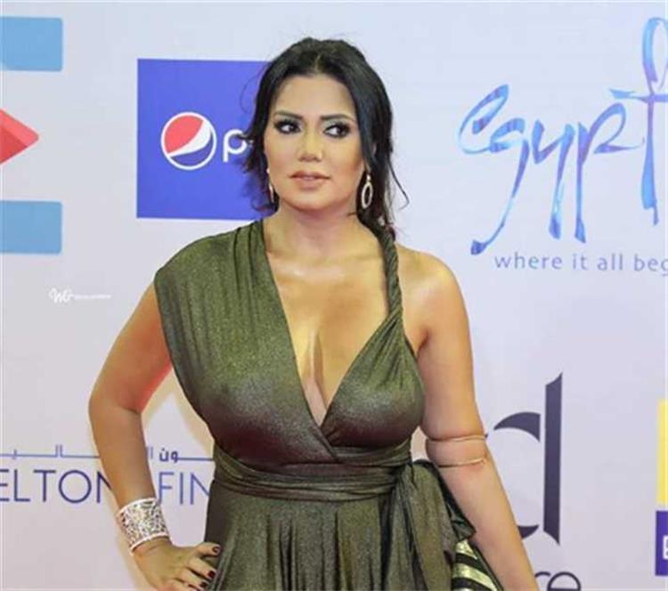 رانيا يوسف في أول رد على منتقدي فستانها في الجونة كنت لابسة فستان بسيط وعادي
