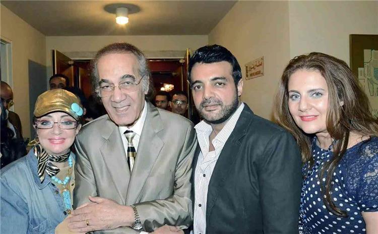 كل ما تود معرفته عن الفنان الراحل محمود ياسين وحقيقة مرضه الذي لم يكشف عنه