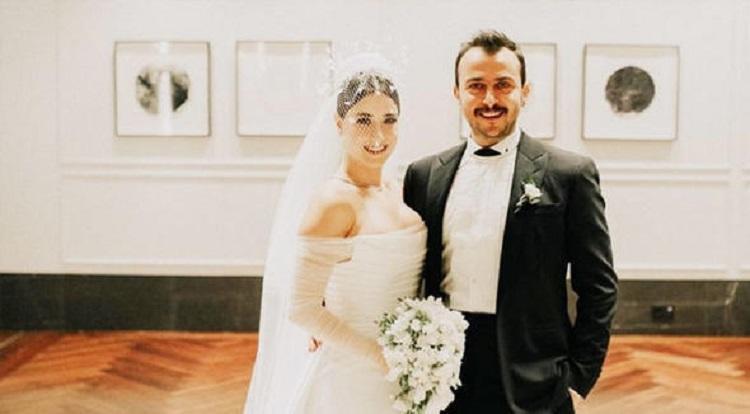 إطلالة ناعمة للنجمة التركية هازال كايا في حفل زفافها