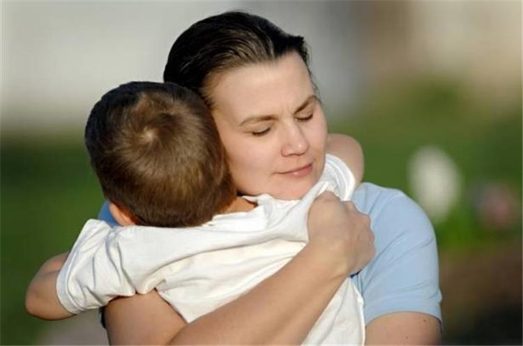 ماذا ينتظر طفلك منك دليلك المختصر للأمومة المثالية