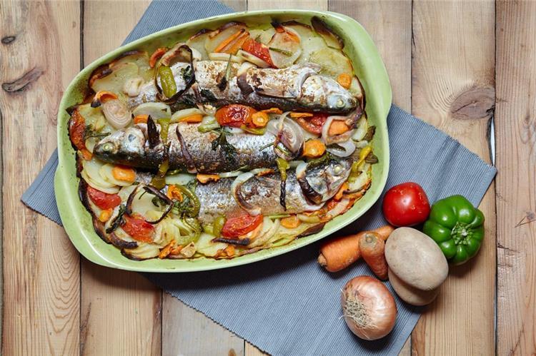 منيو غداء اليوم أكلة سمك بوري بالأرز الصيادية