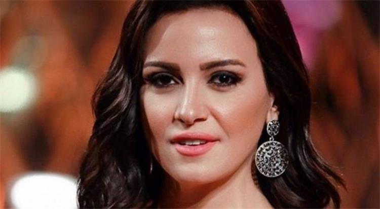 ريهام عبد الغفور تحتفل بتخرج نجلها وتفتخر بأمومتها هل يشبهها