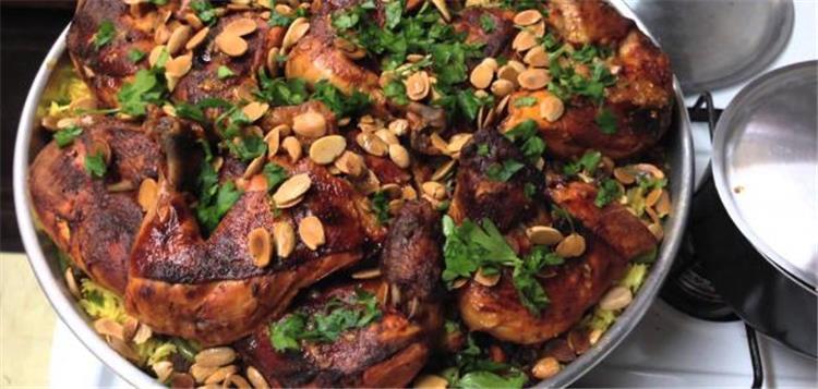 اكلات شتوية سورية.. طريقة عمل الأوزي بالفراخ والمكسرات