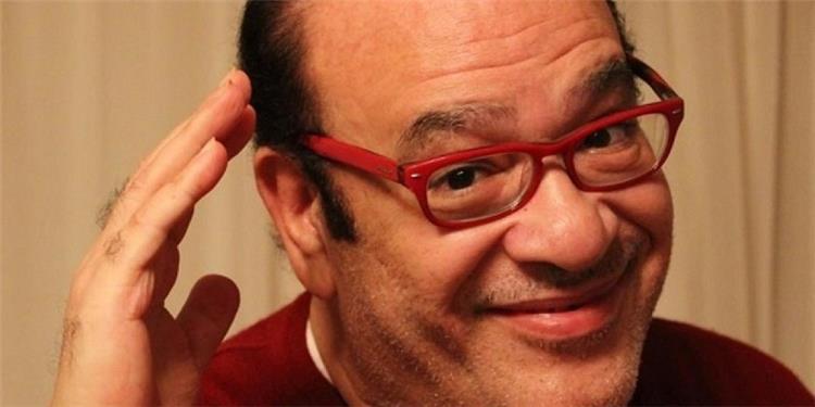 صلاح عبد الله ي بكي الجمهور بصورة وتعليق مؤثر عن صحته